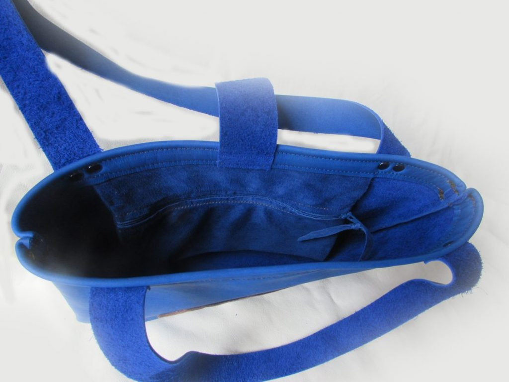 loon-tote-interior-blue